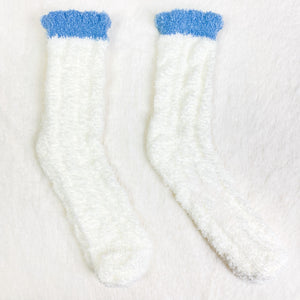 White Ribbed Fluffy Socks