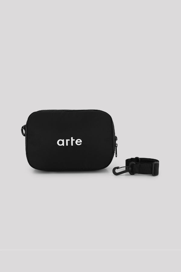 ESSENTIAL SHOULDER BAG - BLACK