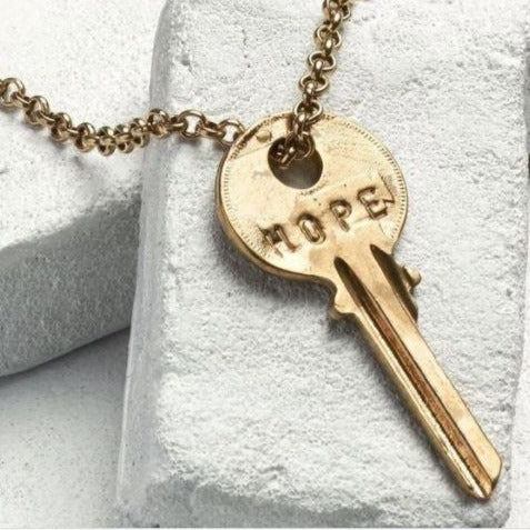Giving Keys Necklace: Classic Gold (Hope)