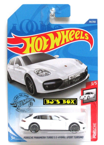 2020 Hot Wheels PORSCHE PANAMERA TURBO S E-HYBRID SPORT 3/5 White 44/250 New