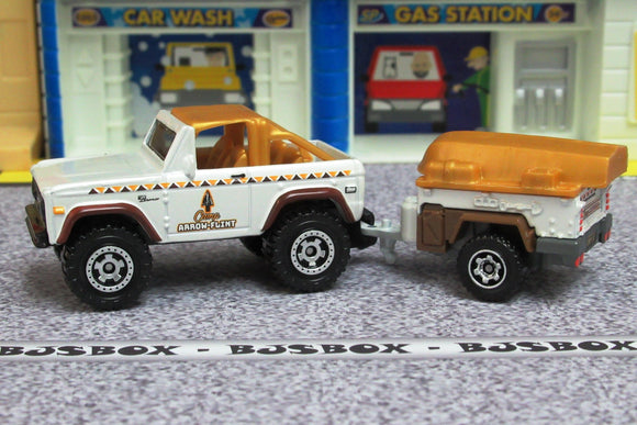 2019 Matchbox '72 FORD BRONCO & TRAILER Camp Arrow Flint MBX Off-Road Loose New