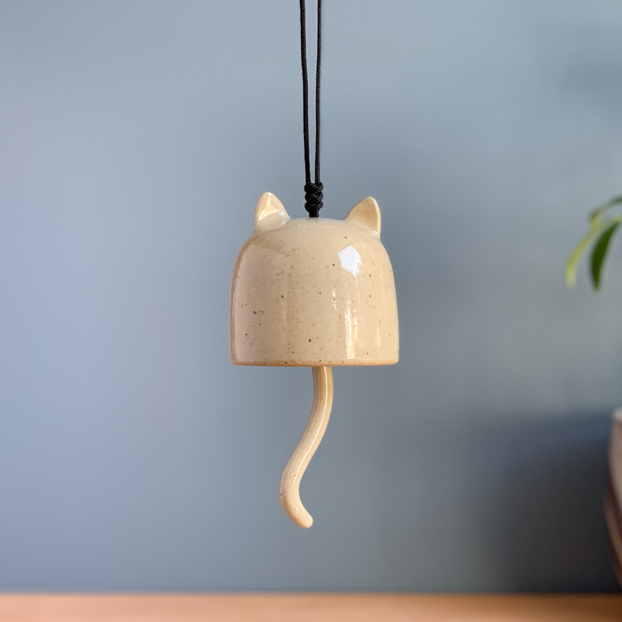Oatmeal Stoneware Kitty Cat Bell