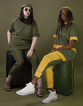 Load image into Gallery viewer, Jet Setter Tee [Olive/Muster]