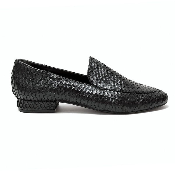 Loafer Preto Escamas