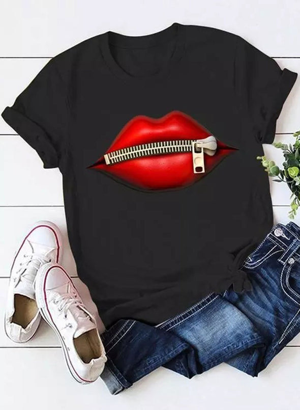 Solid Round Neck Lips Print Short T-shirt