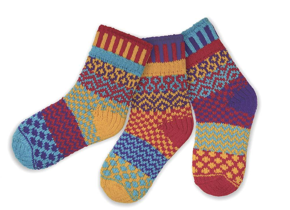 Load image into Gallery viewer, Solmate Firefly Kids Socks