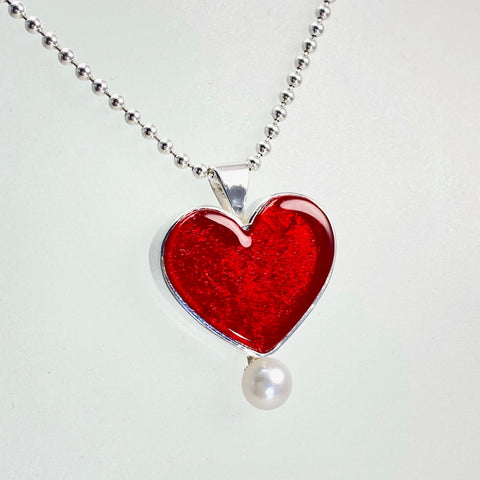 Heart Necklace with Pearl in Cherry