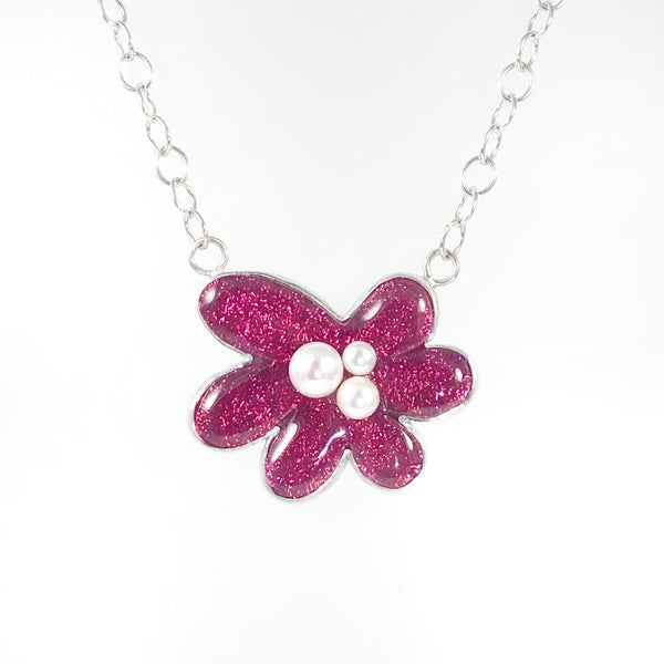 Flower Necklace with Pearls in Rose