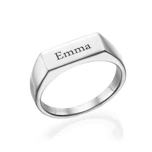 Engraved Signet Ring in Silver