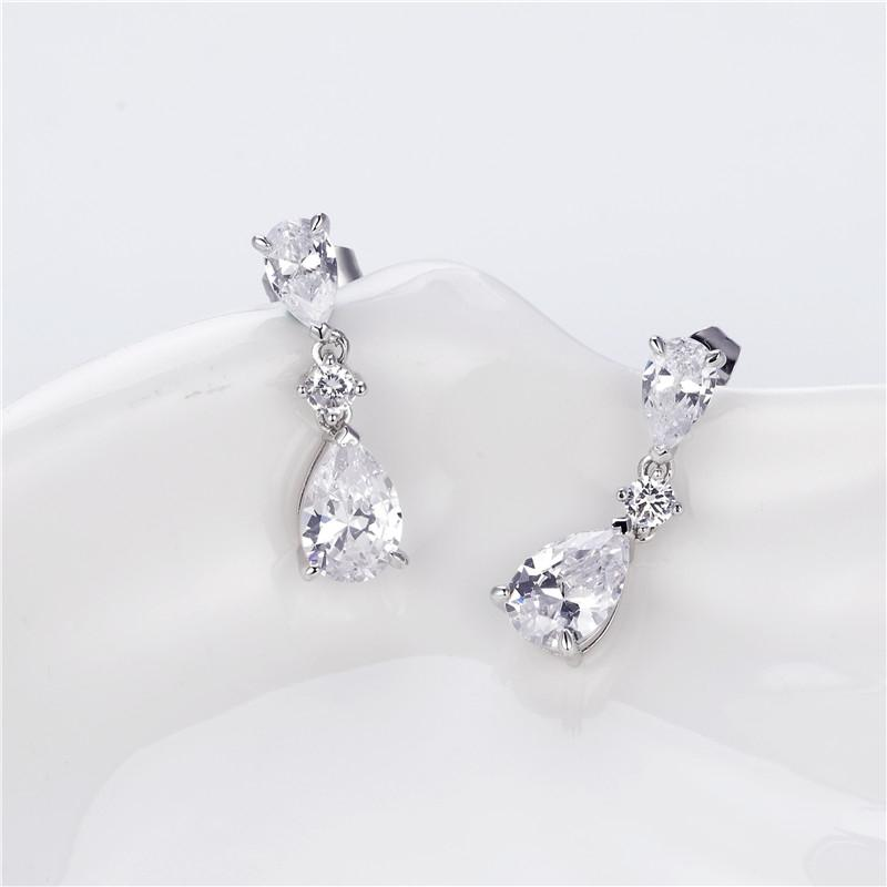 Pear Created White Diamond Drop Earring
