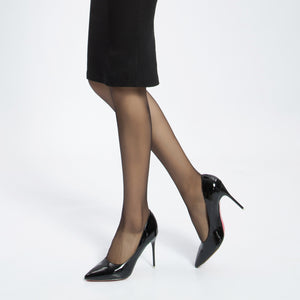 Push-Up Effect For The Bottom. Ultra Sheer 15 Den, Silk Reflections Full-Control Top, Reinforced Toe Pantyhose.