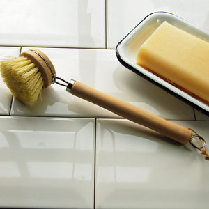 Beech long handled dish brush