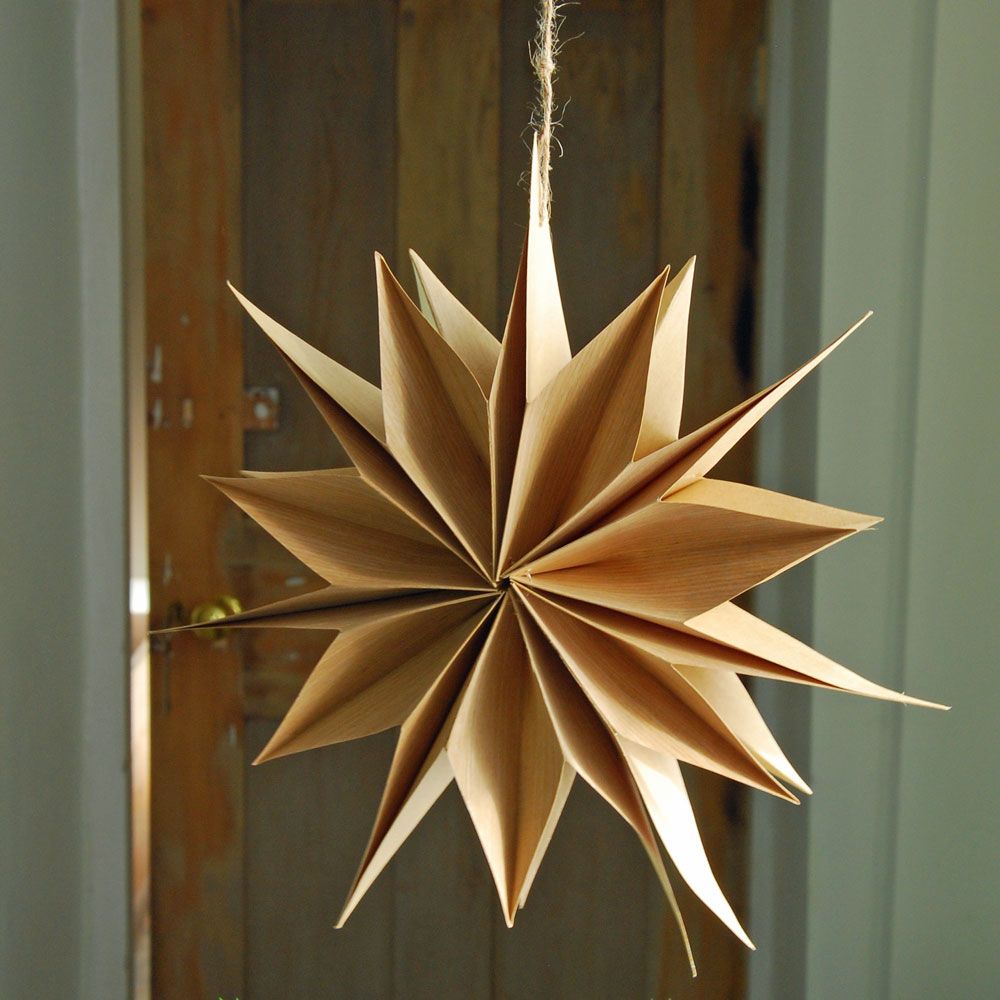 Small Scandi paper hanging star decoration