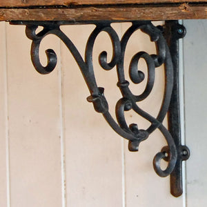 Small Alnwick antique style Victorian design ornate iron hanging basket & shelf bracket.