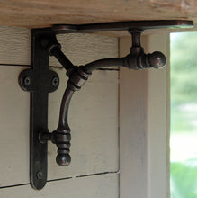 Bishy Road cast iron wall shelf bracket