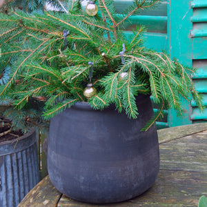 Large Hanover Outdoor Plant Pot