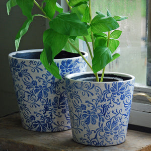 Large Barnsley terracotta cache pot blue flower print