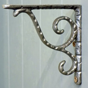 Cotswold cast metal antique design shelf bracket