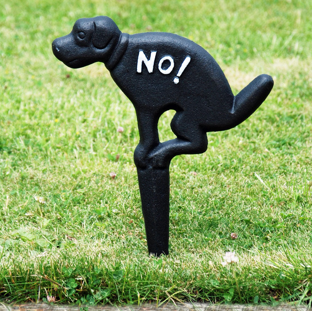Black cast iron no fouling garden sign