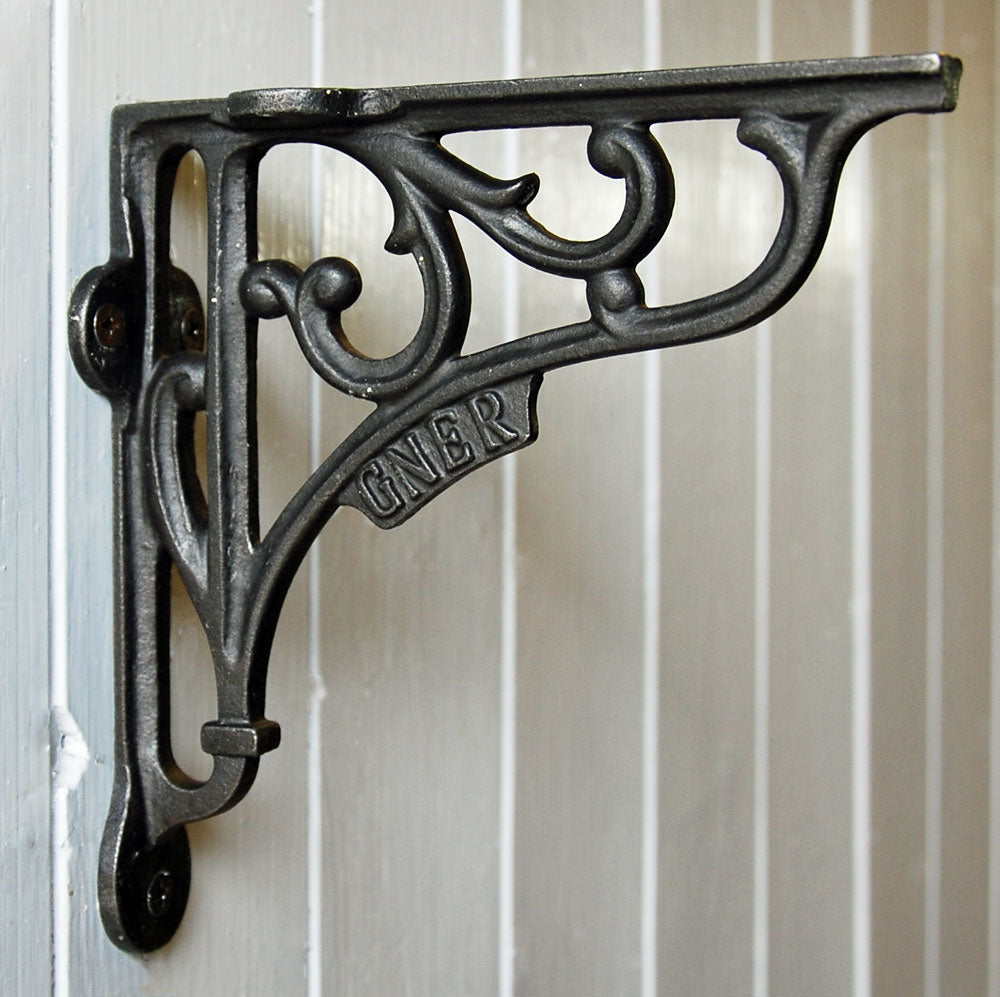 Cast metal vintage style GNER wall shelf bracket 150mm
