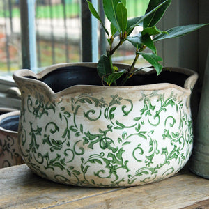 Large green Hampton ceramic round pie crust edged planter