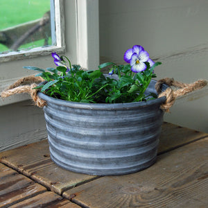 Small round zinc metal Fenton planter
