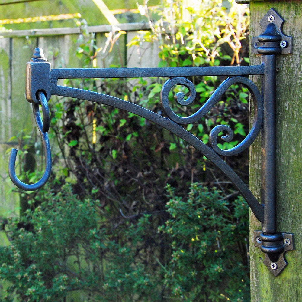 Kew cast iron garden swivel hanging basket bracket