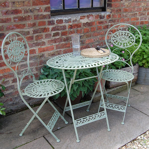 Classic estate green garden furniture