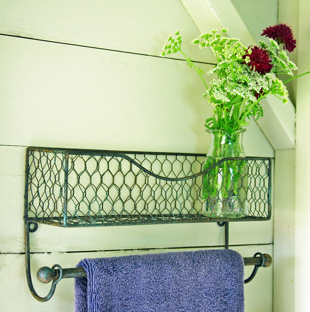 Simple vintage wire wall shelf rack with hanging rail