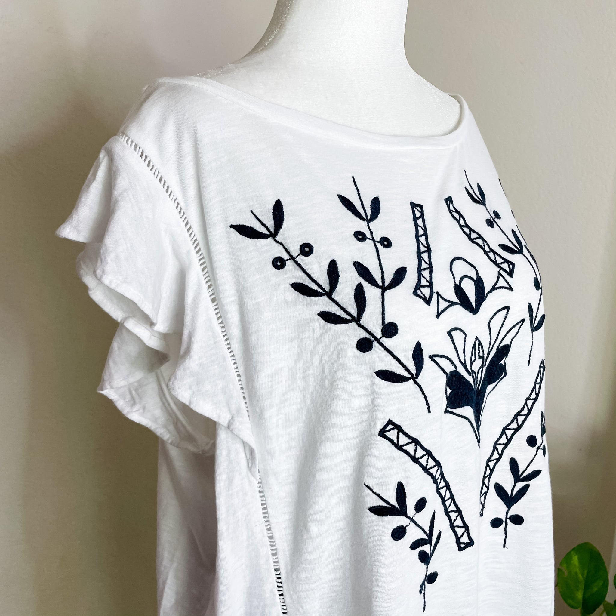 Loft Embroidered White and Navy Top with Flutter Sleeves XL