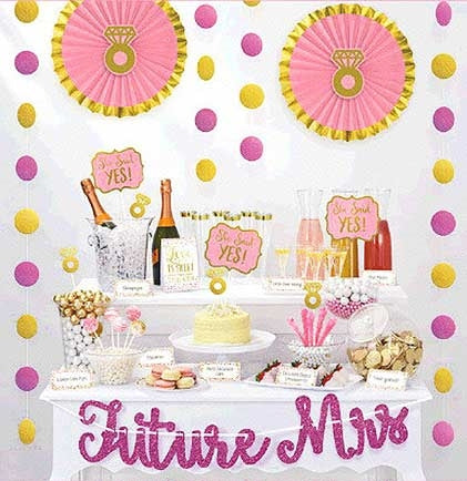 This 23pc Future Mrs. Decoration Kit is the perfect kit needed to glam up a treat or gift table. It comes with Fans, Danglers, Tent Cards, and much more.