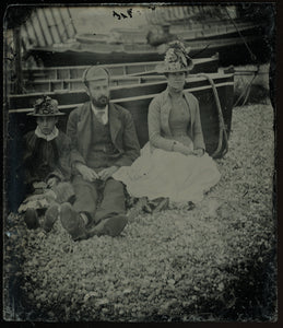 Antique Photo - Uncased 1/6 Ambrotype Victorian Family Outdoors at Beach, Boat