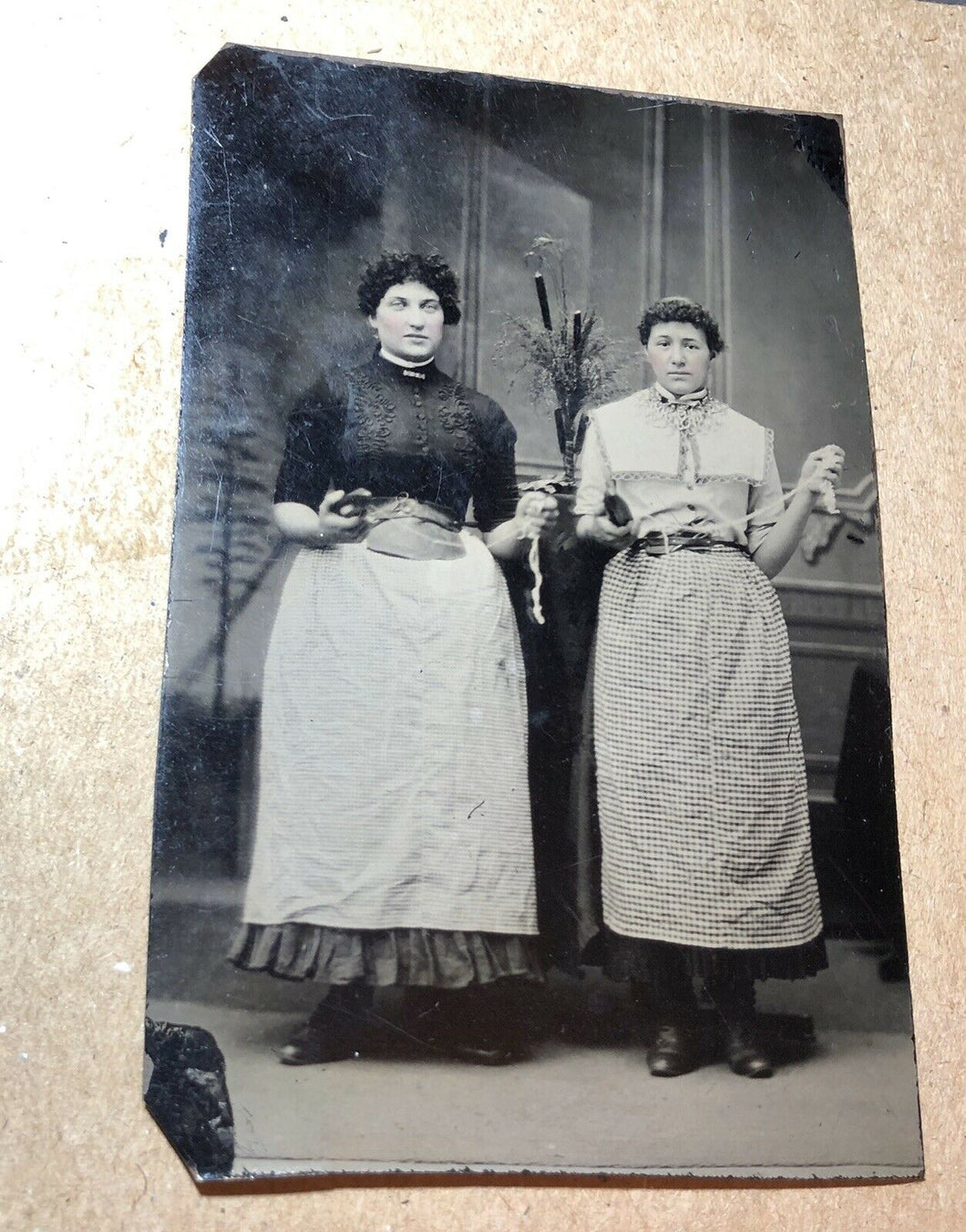 Occupational Tintype Photo Seamstress Textile Workers Winding Yarn, Scissors