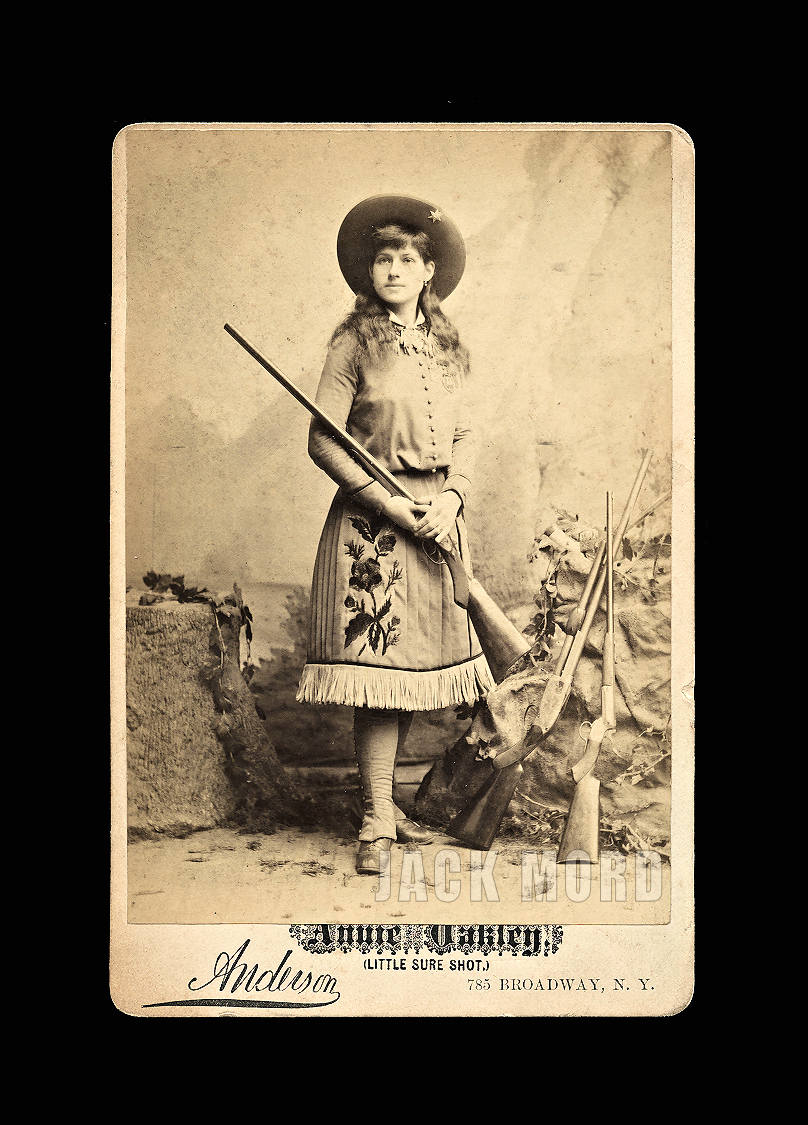 Very Rare and Wonderful Cabinet Card Photo of the Famous Sharpshooter Annie Oakley