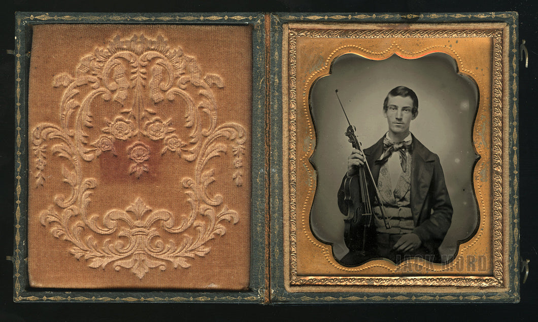 Excellent 1/6 Antique 1850s Ambrotype Photo ~ Musician with Violin / Violinist