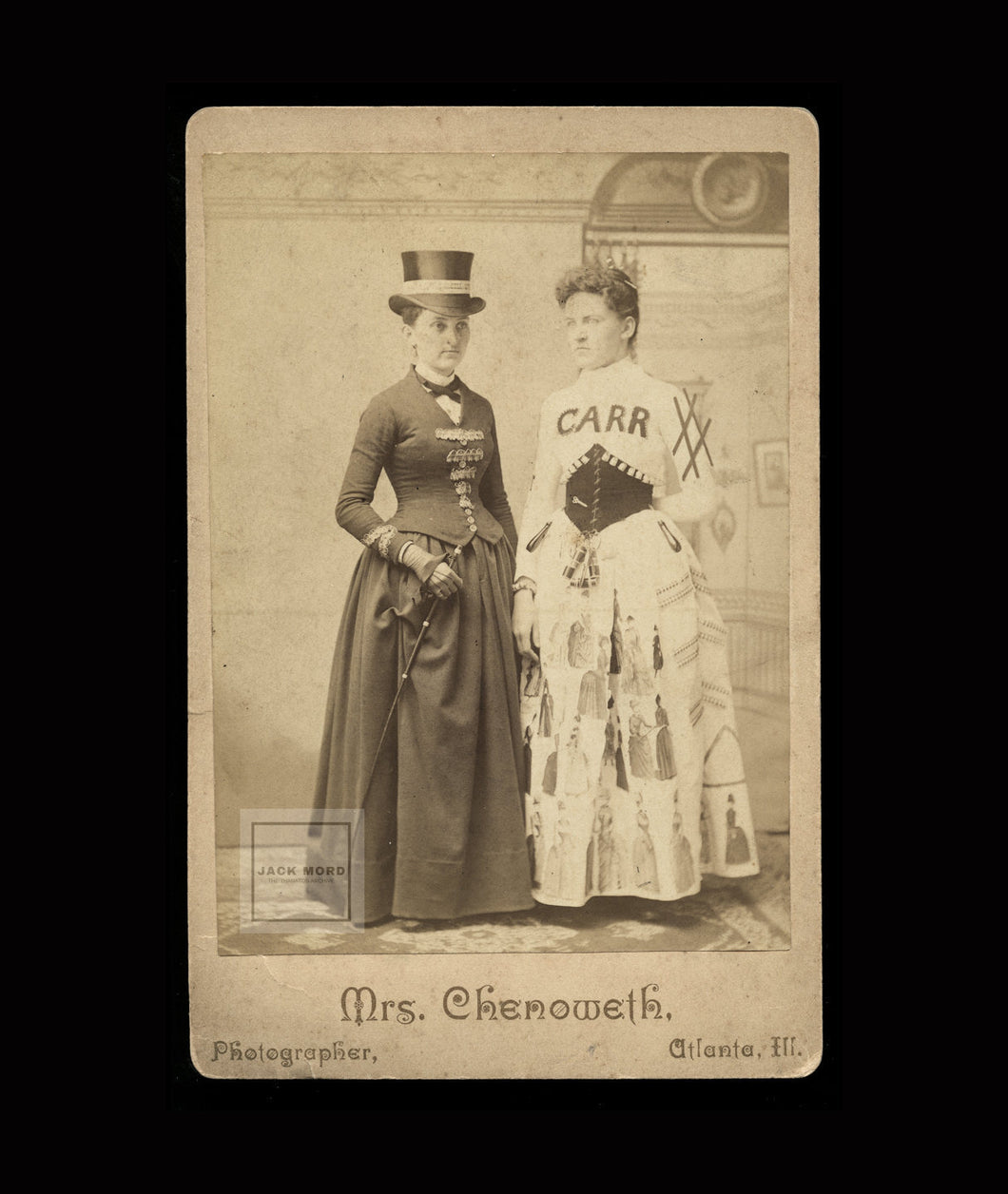 Advertising Cabinet Card / ID'd Sisters Female Photographer / Banner Lady Int