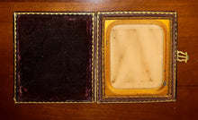 Load image into Gallery viewer, Empty Banded Leather Case For 1/6 Photos, 1850s