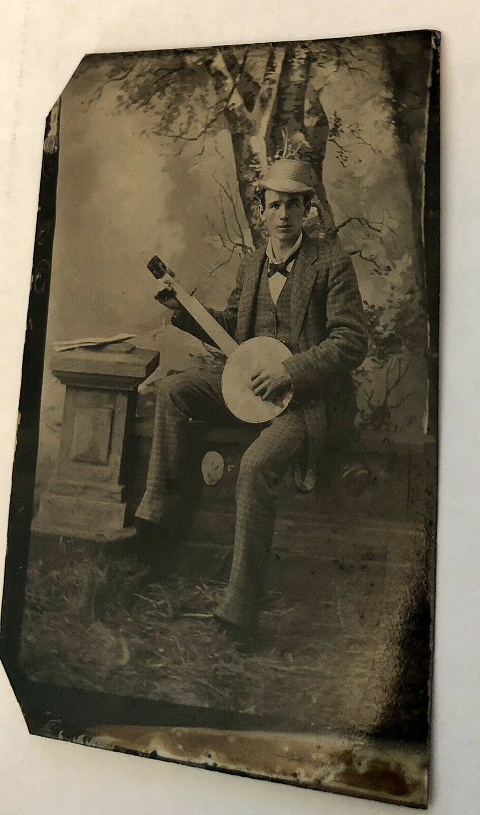 Excellent 1800s Tintype Photo of a Banjo Player / Musician - Antique Music Int