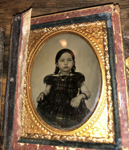 1/9 Ruby Ambrotype Pretty Little Girl Distressed MOP Case, 1850s