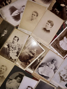 ALL ID'D People - Lot of 34 Antique Cabinet Card Photos / Genealogy Interest