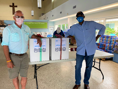 palm beach mask donating 2000 disposable masks to St George's center in Riviera beach fl