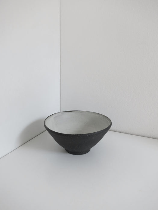 Medium Grogged Black Bowl in White