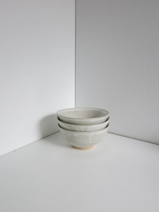 Small Speckled Bowl in White Gloss