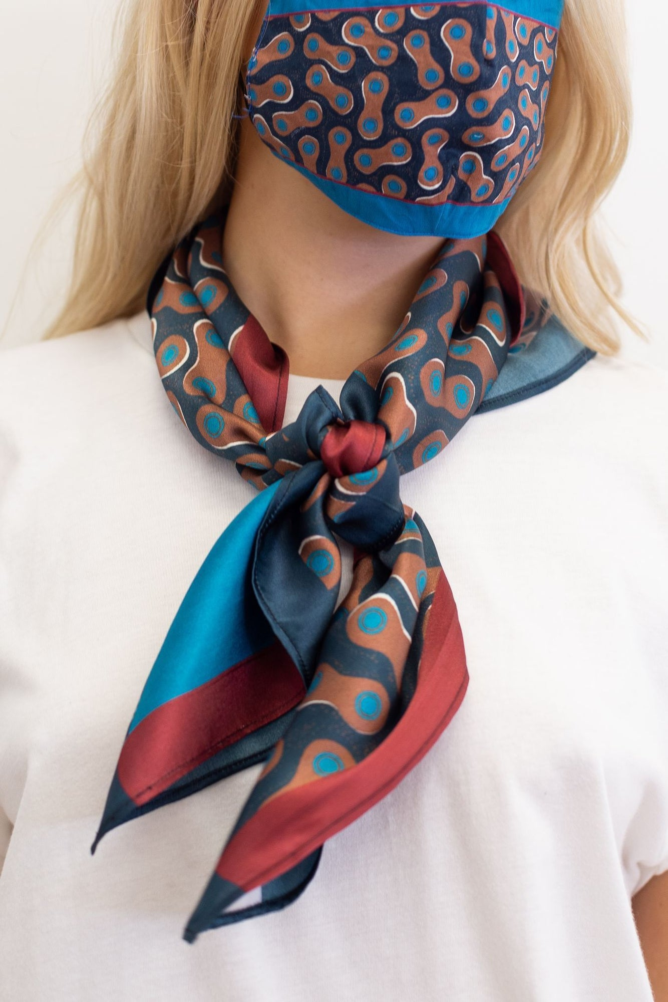 Crepe de Chine Scarf | Emily Grand / Dolly Micro Sky Blue