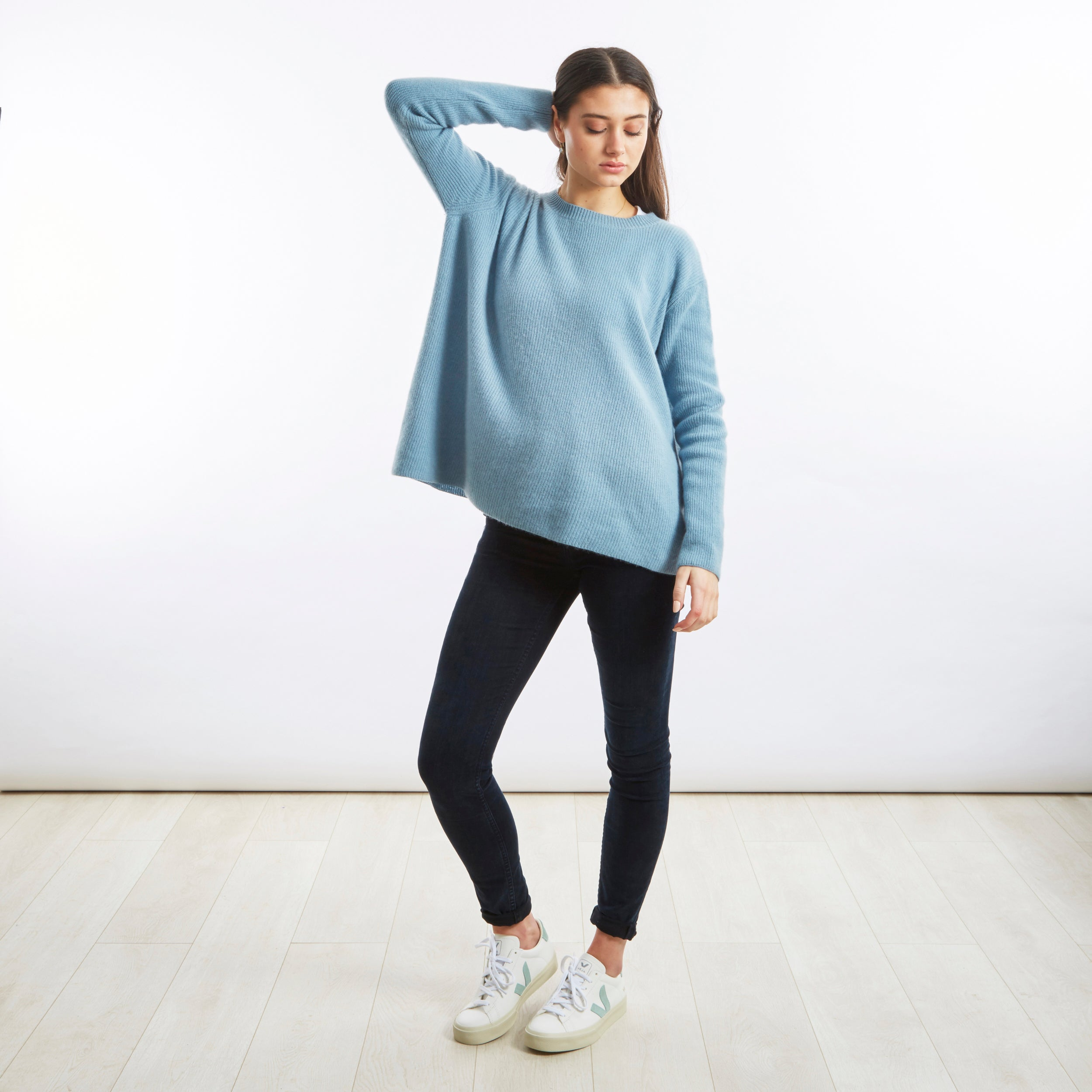 English Weather Round Neck Blue Cashmere Sweater