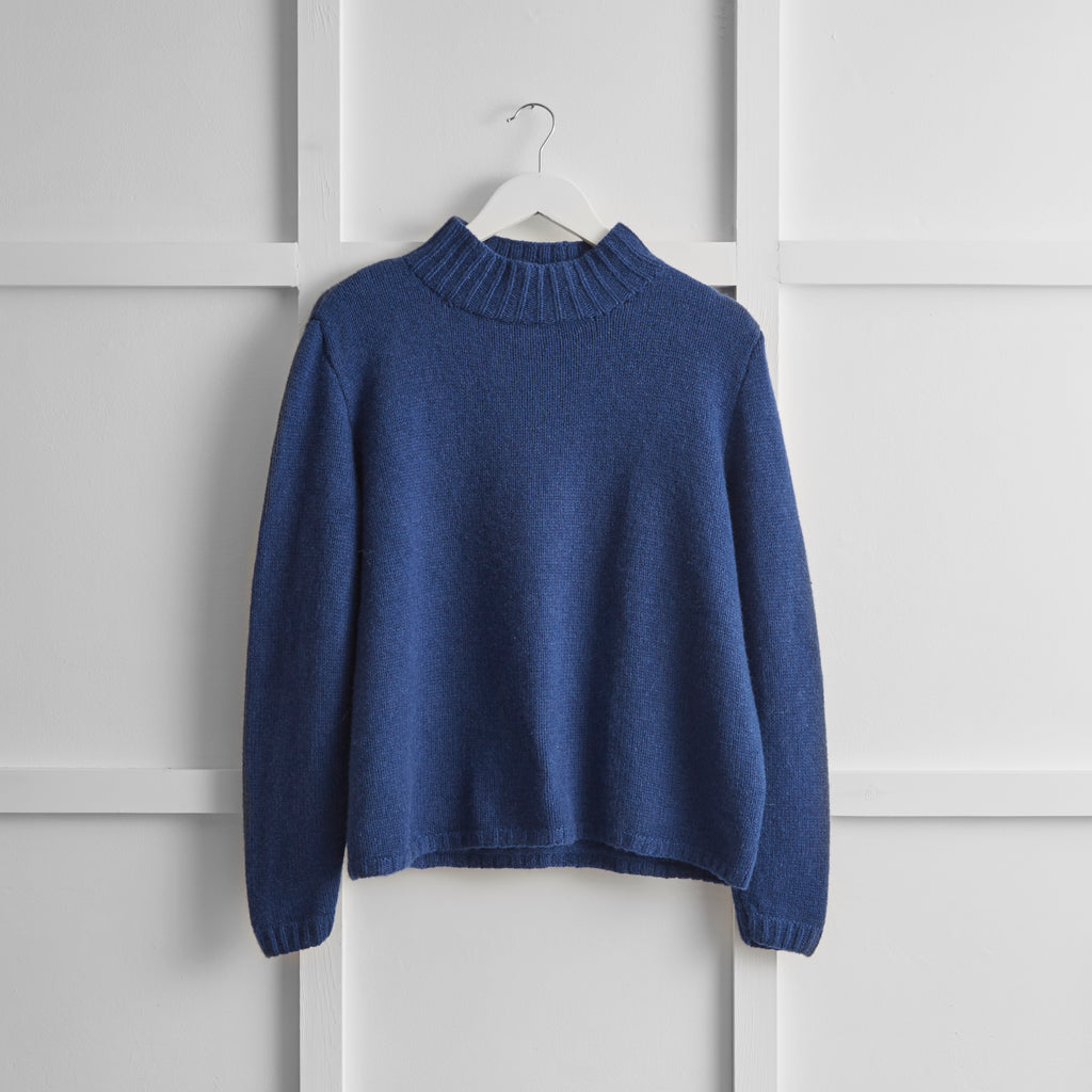 Hetre Alresford Boutique English Weather Marine Cashmere Jumper