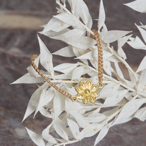 Sophie Theakston Lotus Thread Bracelet