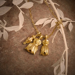 Sophie Theakston Three solid 18ct gold owls