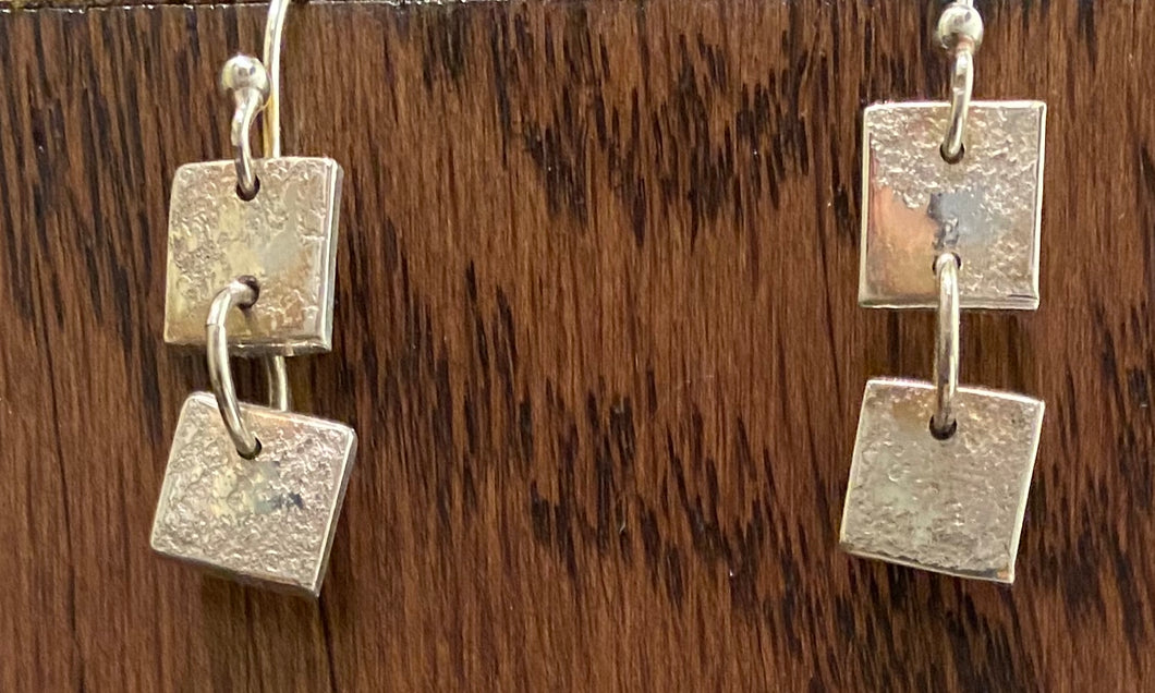 Tiny squares earrings
