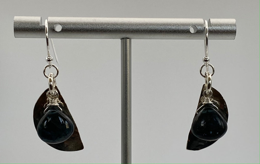 Moss kyanite and hammered silver earring